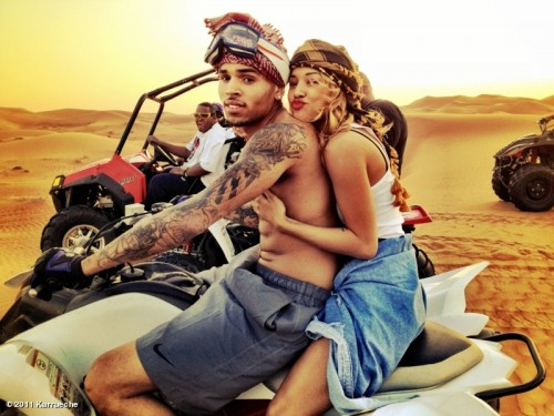 rihanna and chris brown secretly dating 2011
